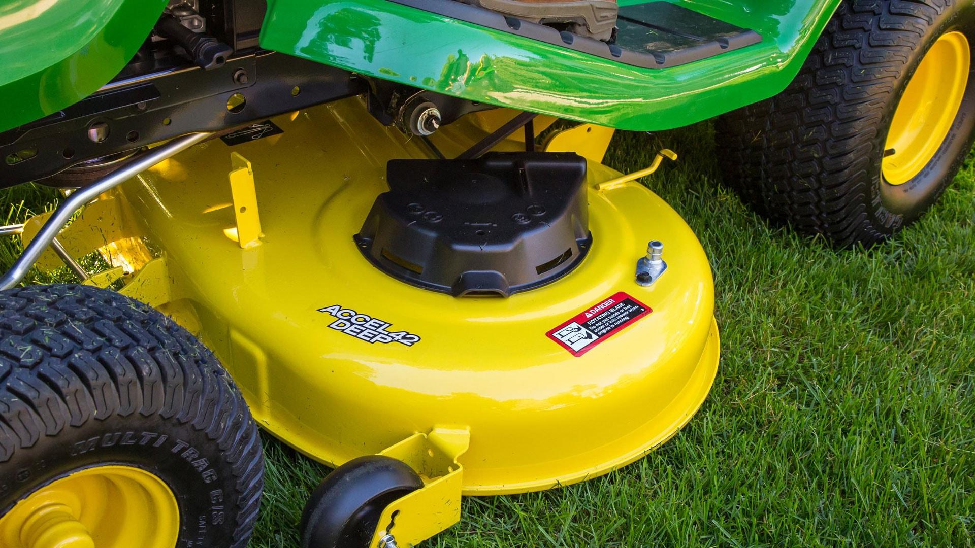 Heavy-duty mower deck for enhanced cutting performance